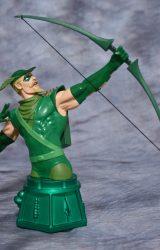 DC HEROES DC UNIVERSE GREEN ARROW BUST